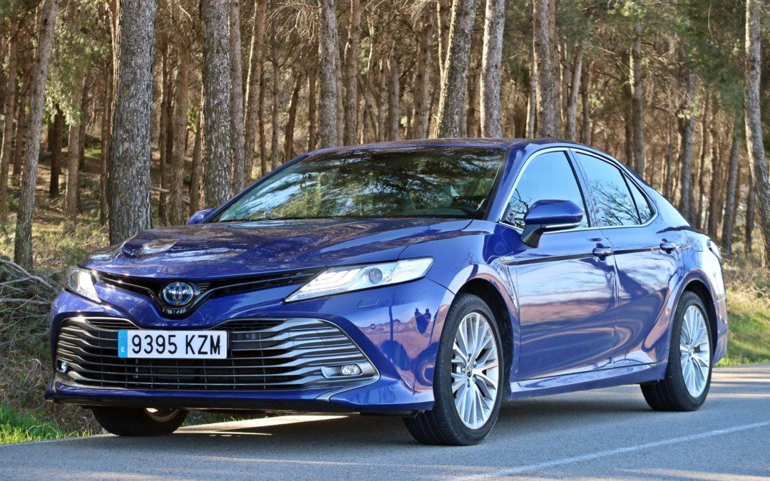 Toyota Camry: La berlina más vendida del mundo llega a España.