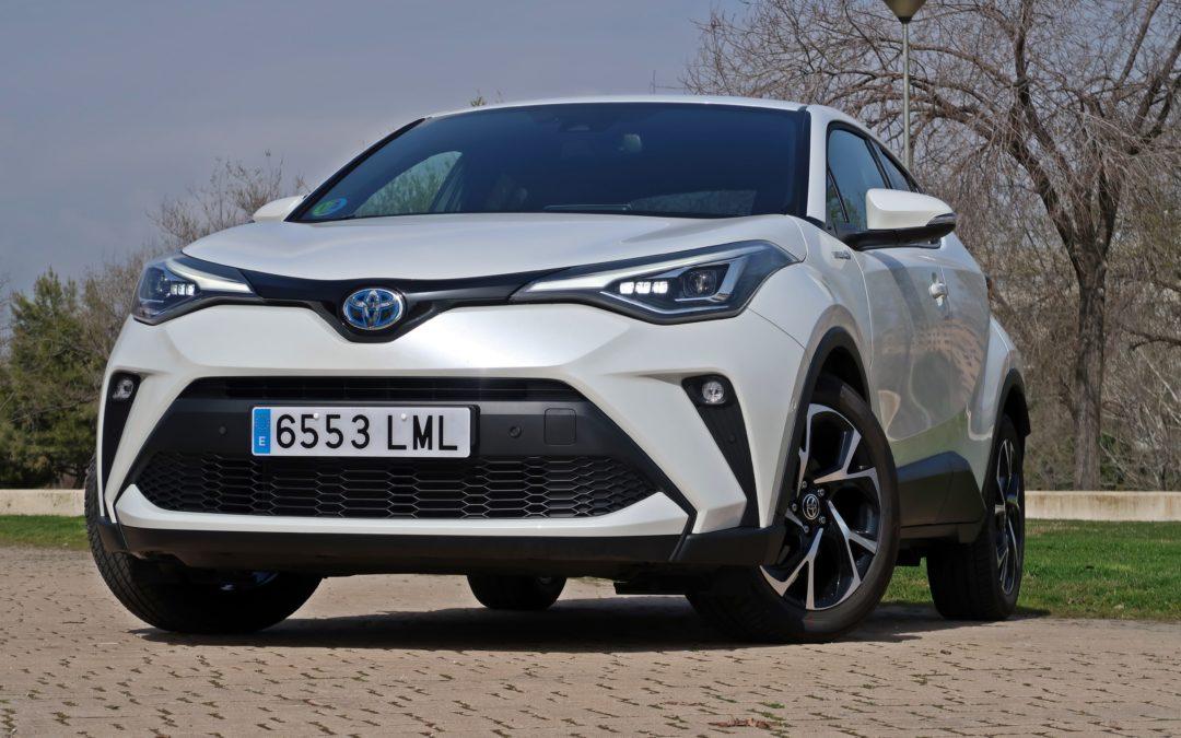 Probamos el renovado Toyota C-HR, más tecnología y nueva motorización híbrida 180H.